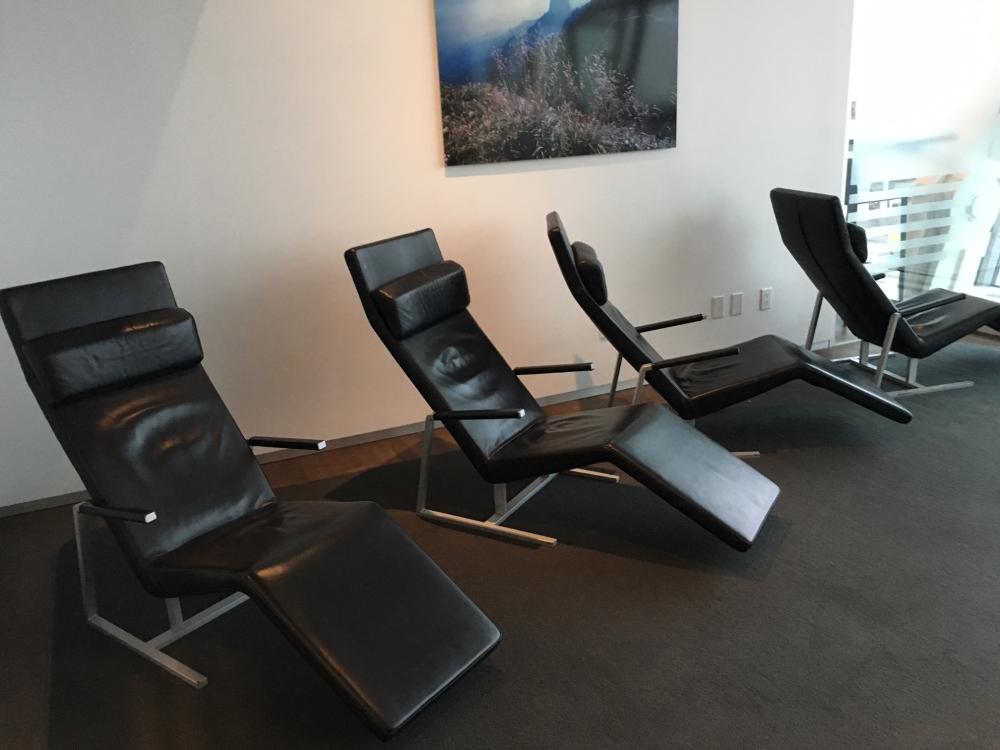 JFK: SWISS Business Class Lounge Review