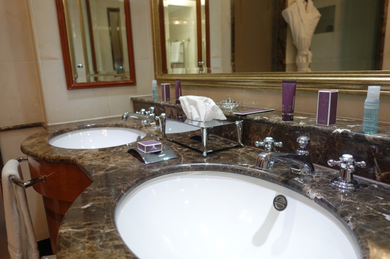 Ritz-Carlton Moscow Review: Double Sinks