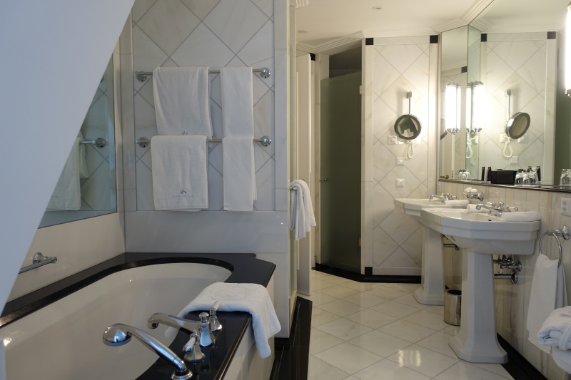 Junior Suite Bathroom, Baur au Lac Review