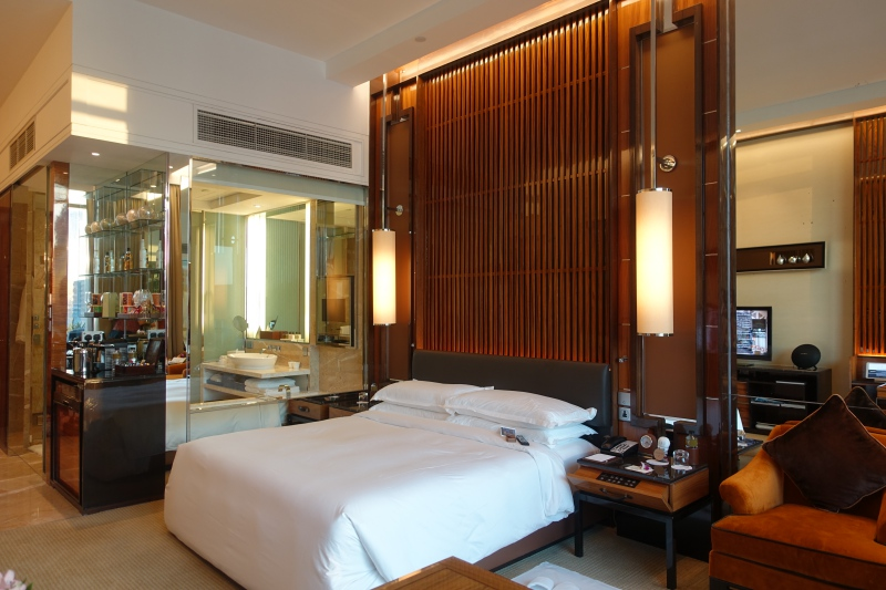 Premier Bay View Room, The Fullerton Bay Singapore Review