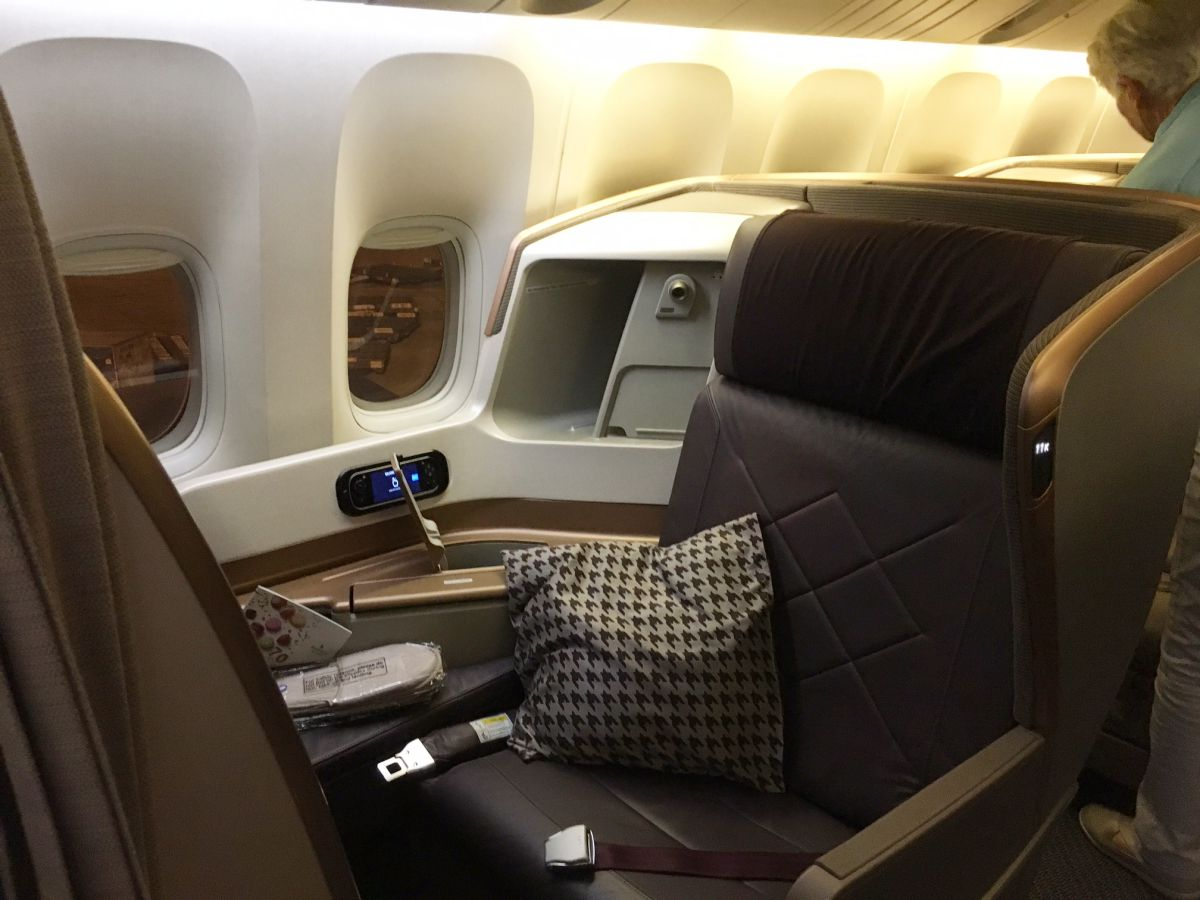 Singapore Business Class Seat, 777-300ER