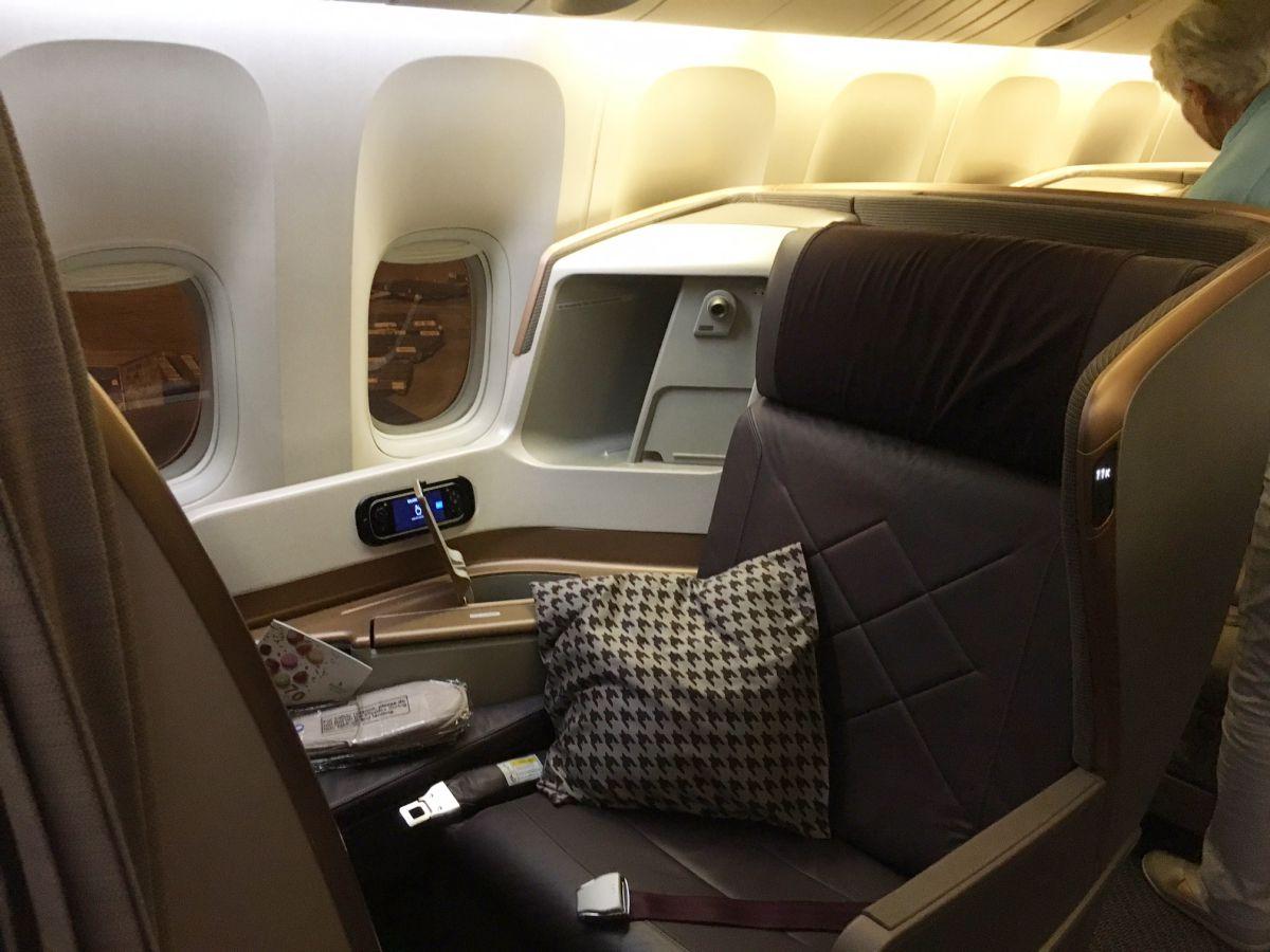 Singapore Business Class Seat, 777-300ER