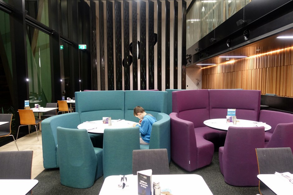 Novotel Auckland Airport-The Square Restaurant
