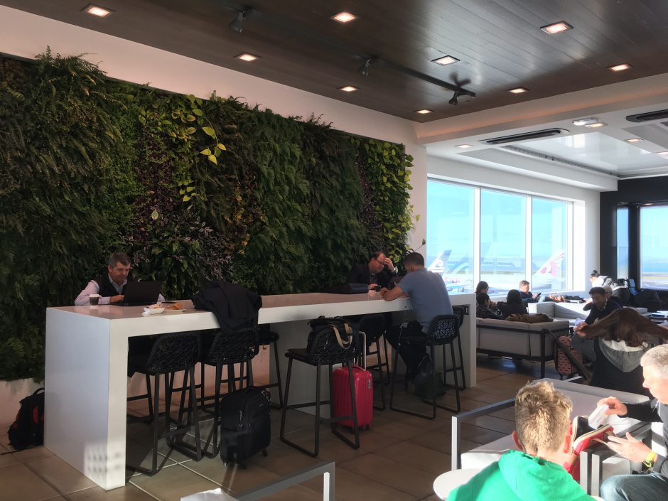 Bar Seating, Air New Zealand Auckland Lounge Review