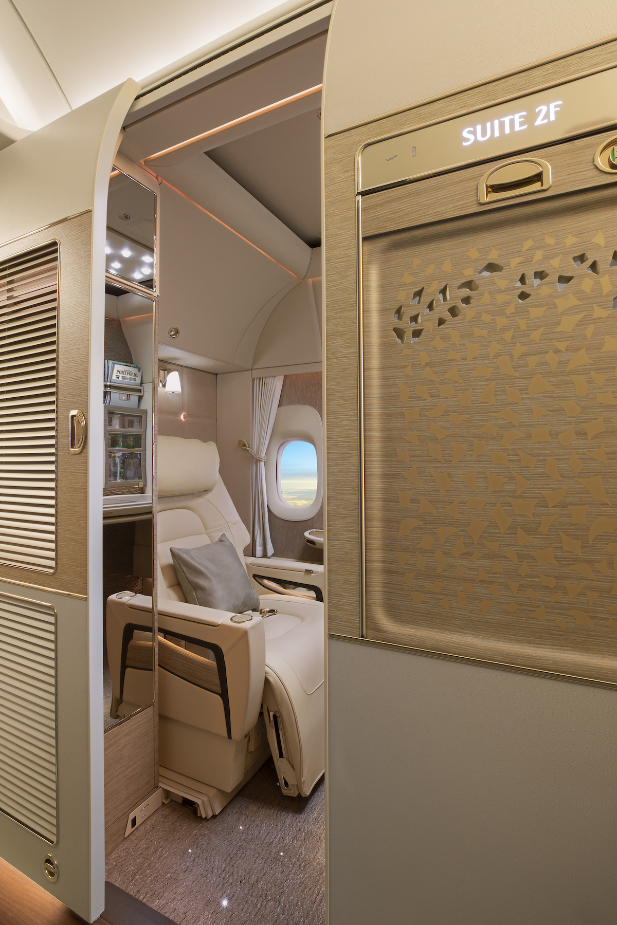 Emirates New First Class Suite, Fully Enclosed