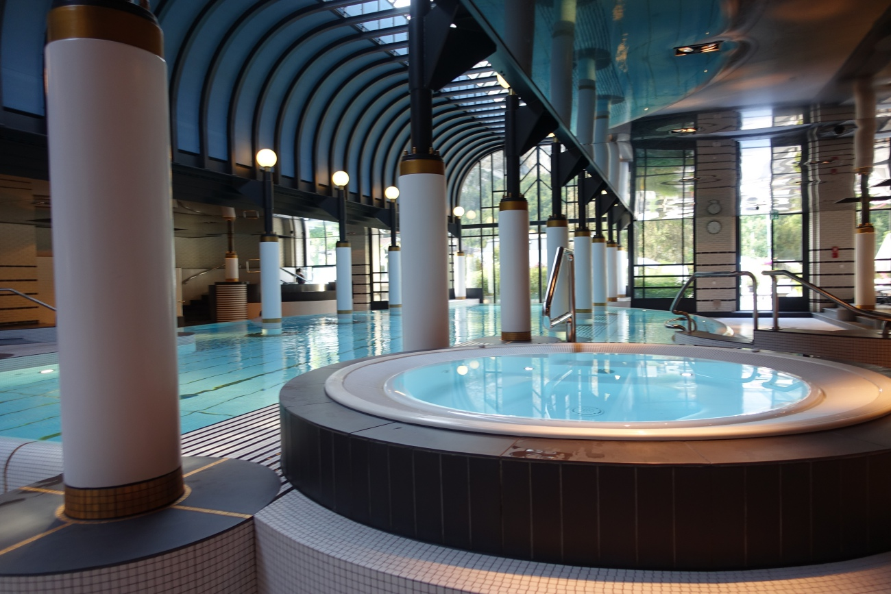 Spa: Swimming Pool and Jacuzzi