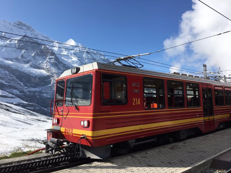 Kleine Scheidegg Station, Cogwheel Train