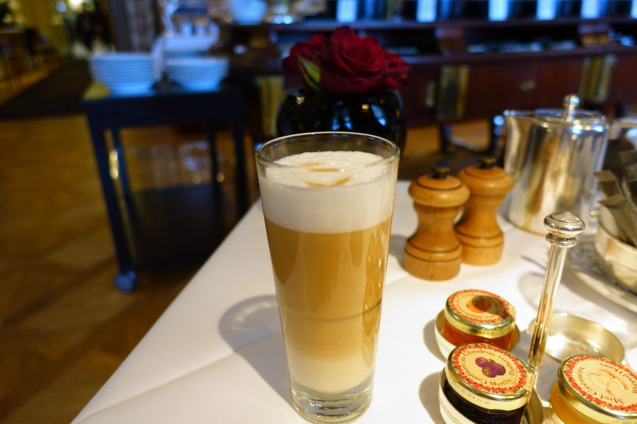 Bellevue Palace Breakfast: Latte