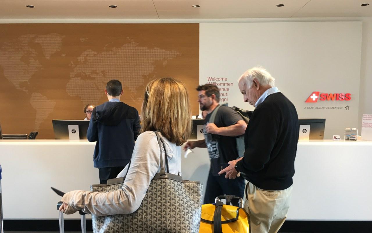 Swiss Business Class Lounge Zurich Review: Reception
