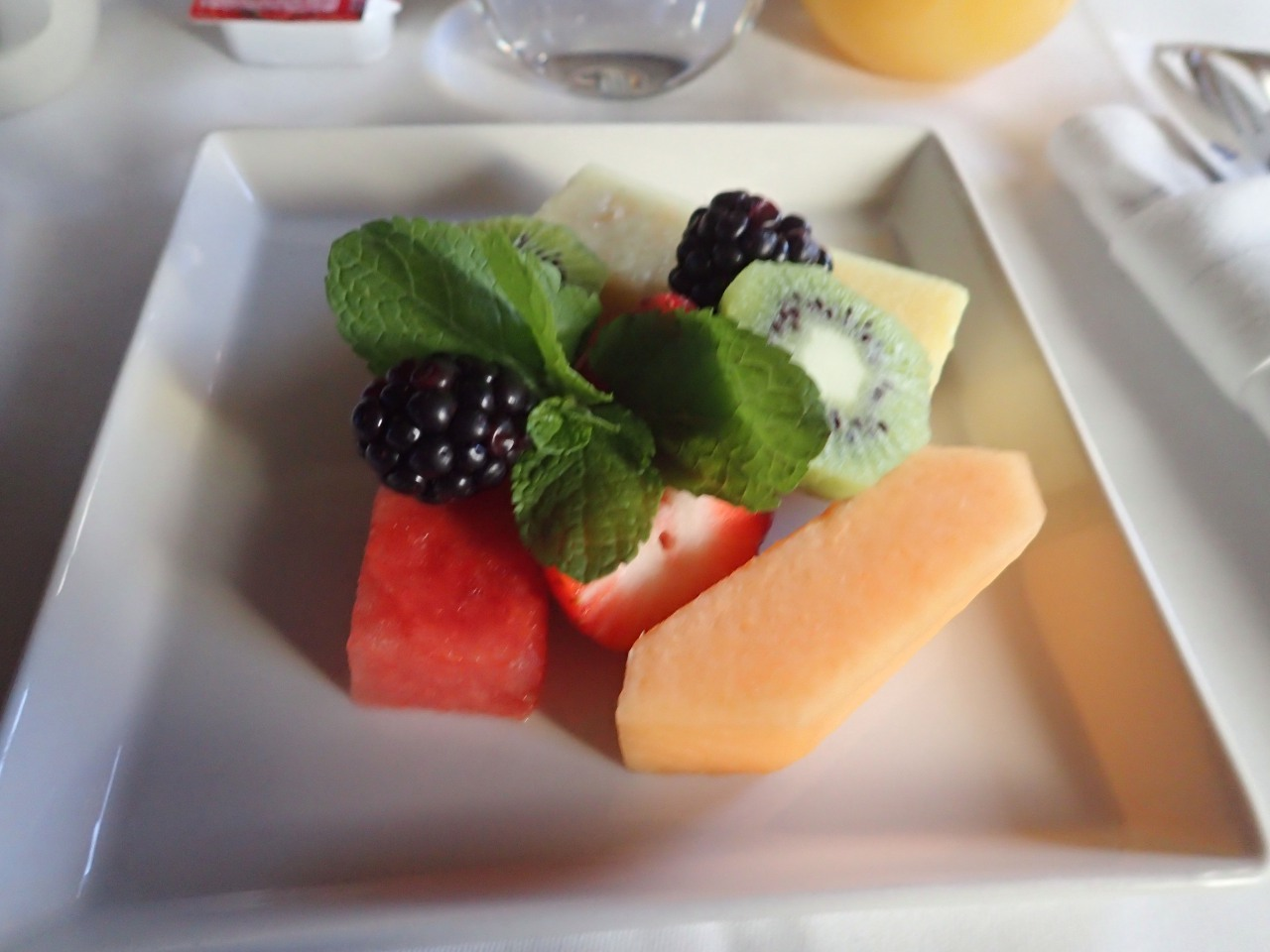 Breakfast Fruit Plate, Singapore A380 Business Class Review