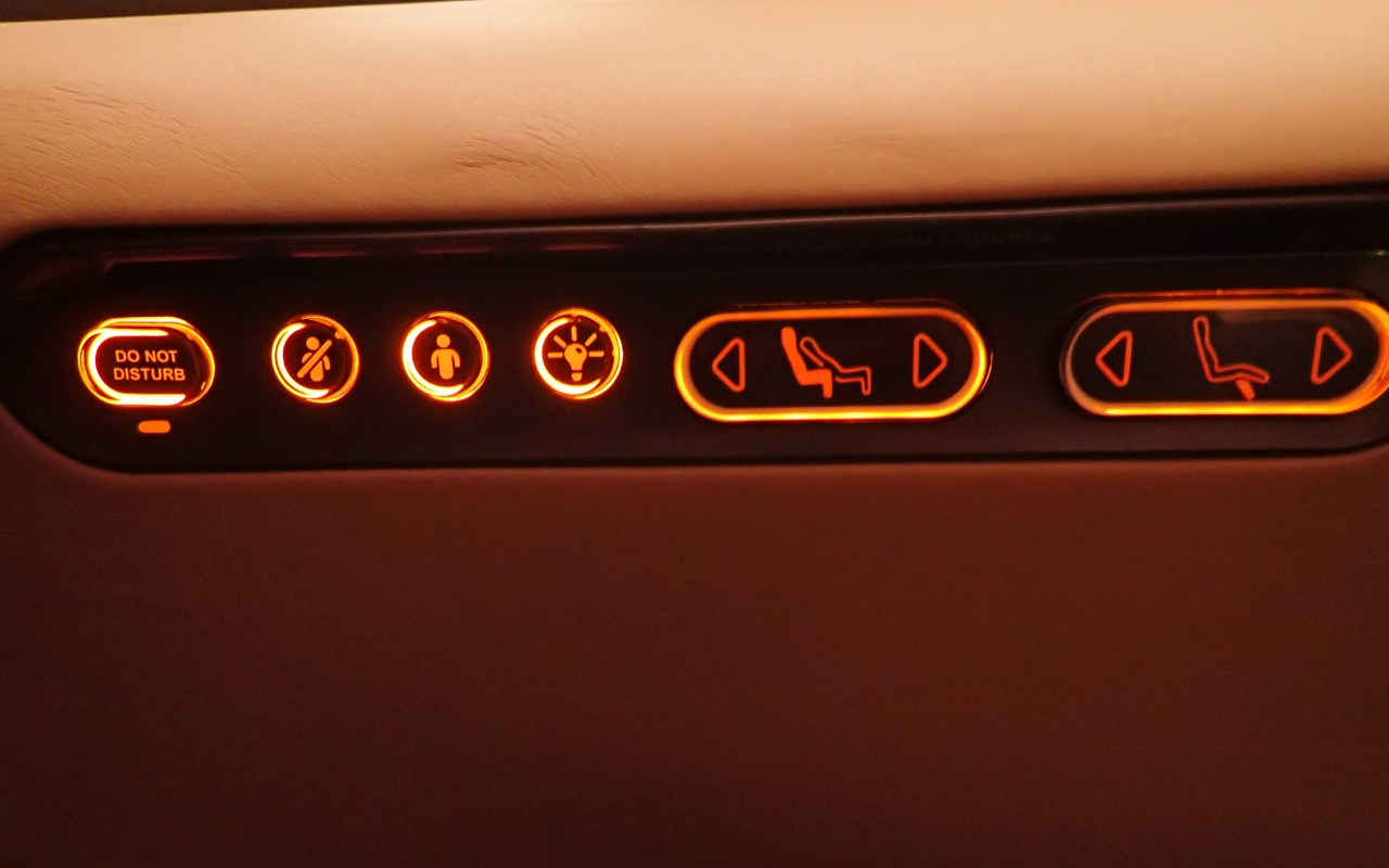 Seat Controls, Singapore Airlines A380 Business Class