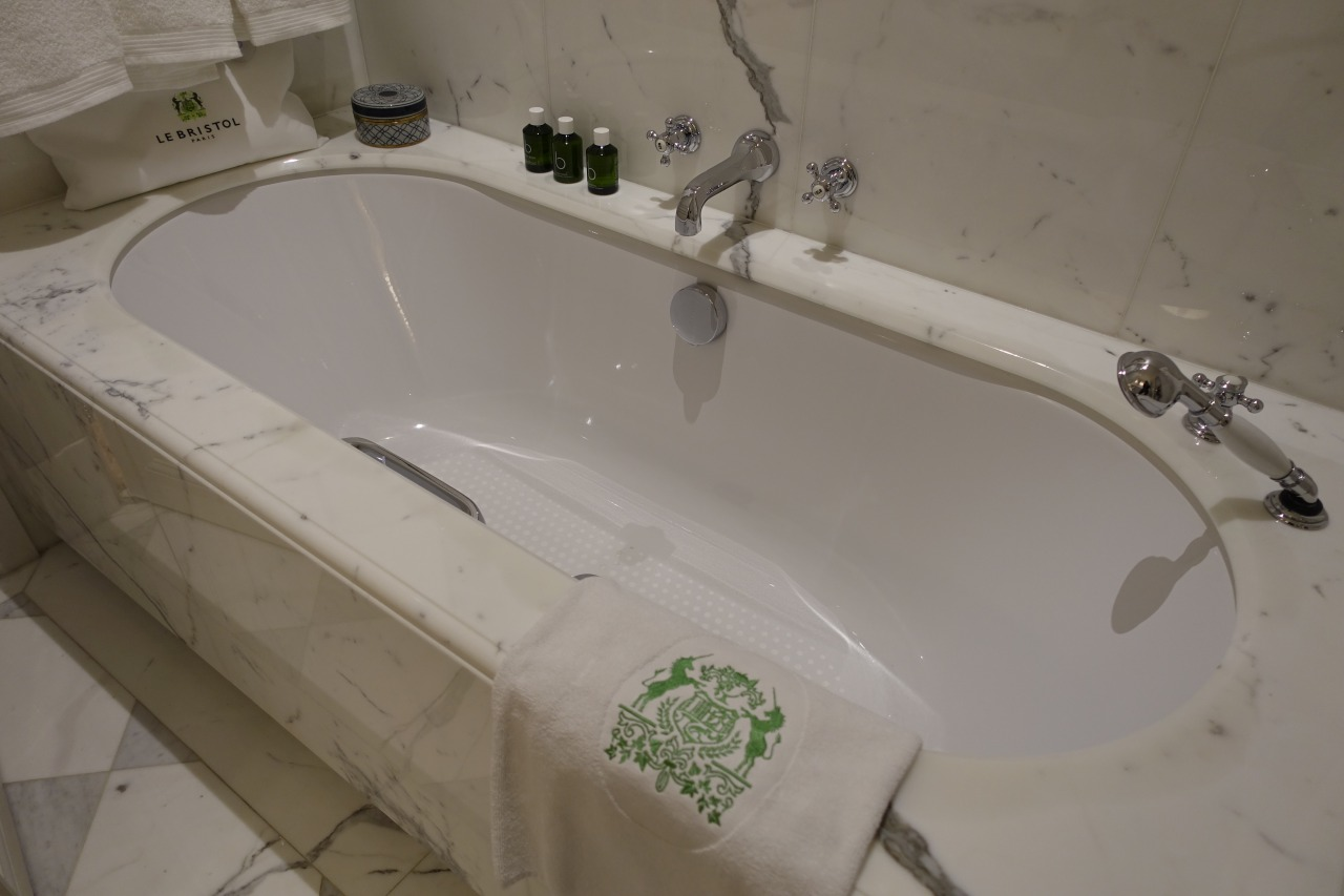Le Bristol Paris Bathtub