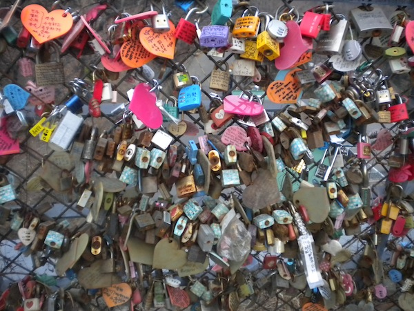 Locks on the Nasman Tower, Seoul