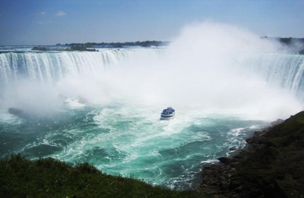 Horseshoe Falls, Niagara Falls with Kids
