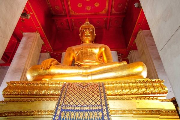 Bronze Buddha, Viharn Phra Mongkol Bophit, Ayutthaya Thailand
