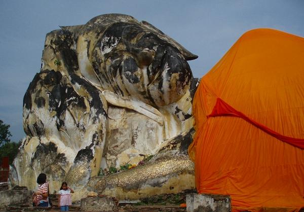 Reclining Buddha, Wat Lokkyasutharam, Ayutthaya Thailand