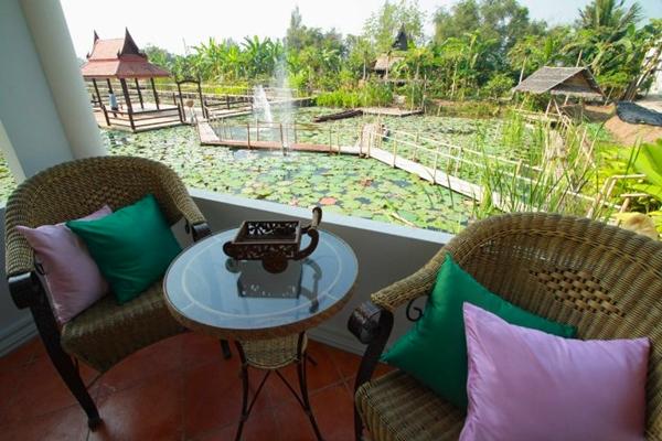 Ayutthaya Garden River Home, Thailand