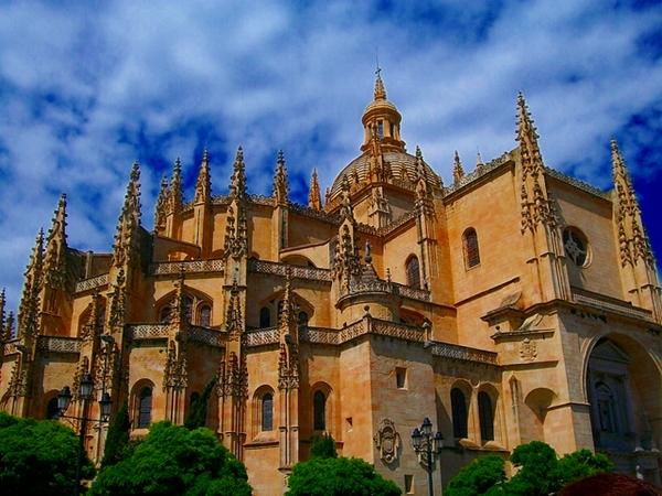 Segovia, Spain: A Classically Romantic Sojourn