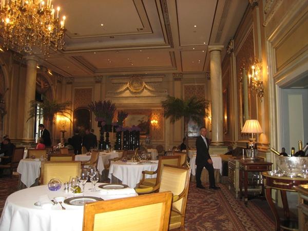 Le Cinq, Four Seasons Hotel George V Paris France