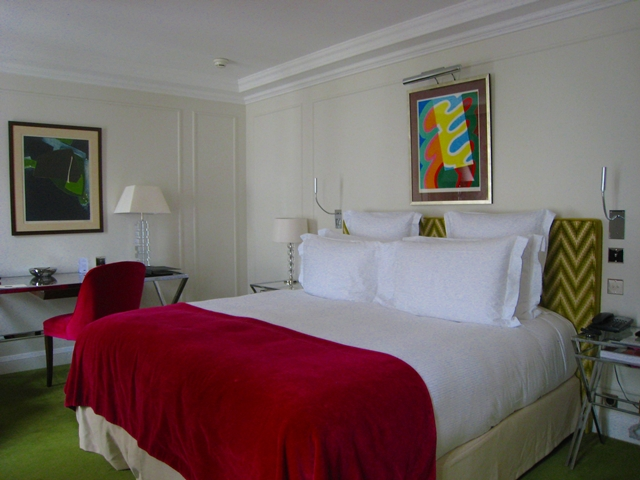 King Bed, Deluxe Room, Le Burgundy Hotel, Paris