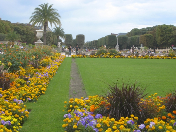 Paris with kids jardin du luxembourg travelsort for Jardin du luxembourg