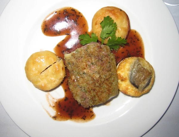 Lamb crusted in gorgonzola-Lufthansa First Class