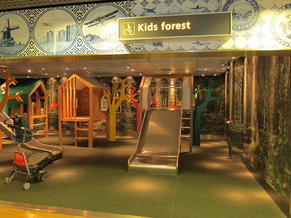 Best Airports for Kids-Kids Forest-Amsterdam Schipol Airport