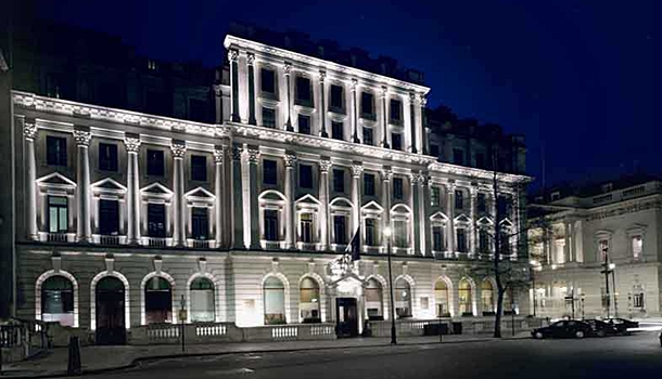 Where to stay in london the best luxury hotels for Luxury hotel stays