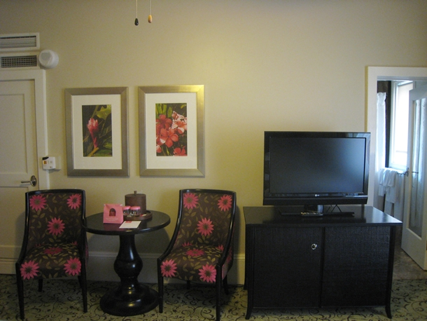 The Royal Hawaiian Hotel Review-Table and Chairs