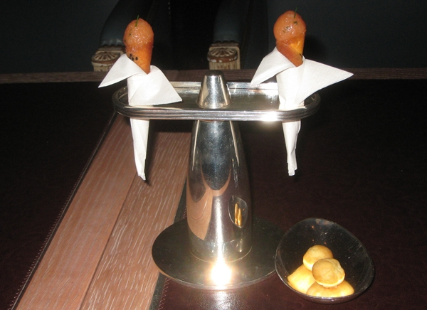 Per Se NYC Restaurant Review-cheese gougeres and salmon tartare cornets