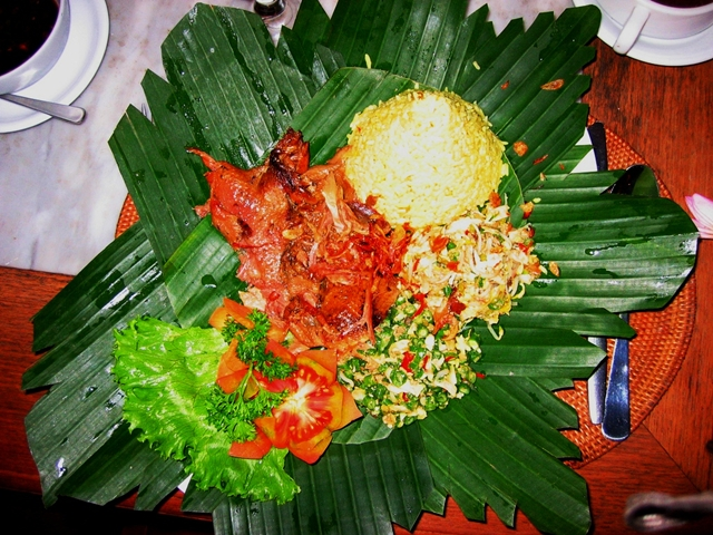 10 Things to Eat in Bali - Bebek Betutu