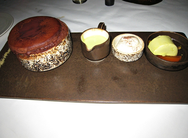 10 Things to Eat in Bali - Chocolate Souffle at Metis
