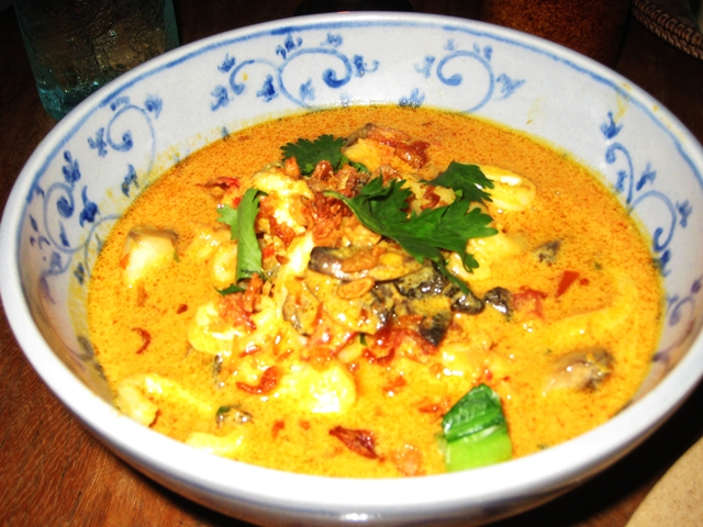 10 Things to Eat in Bali - Seafood Laksa at Warung Mie