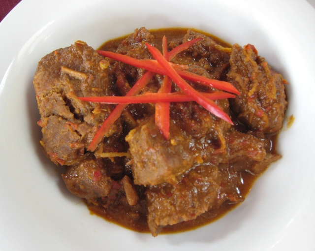 10 Things to Eat in Bali - Rendang