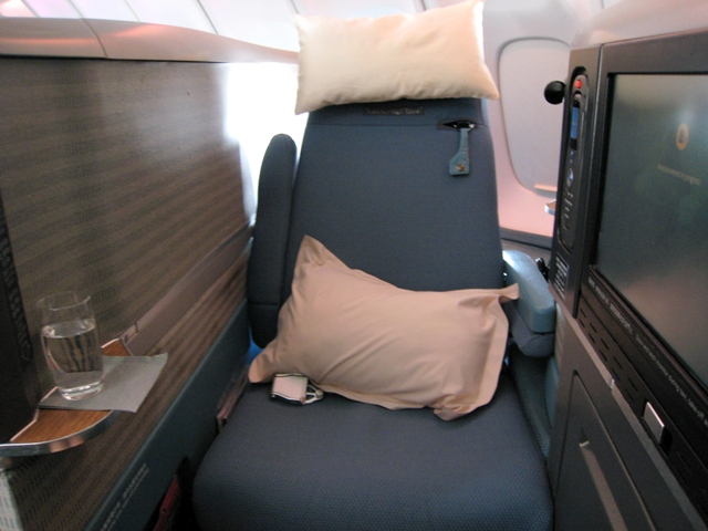 Cathay Pacific Business Class Review 747-400