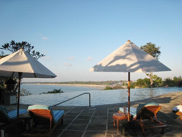 Four Seasons Bali Jimbaran Bay Infinity Pool