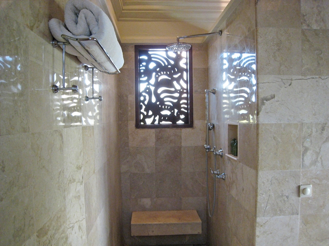 Four Seasons Bali at Jimbaran Bay Review - rainfall shower