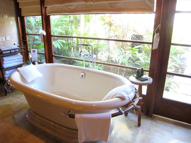 Four Seasons Bali at Jimbaran Bay Review