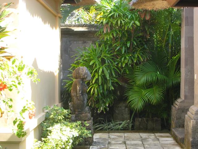 Four Seasons Bali Jimbaran Bay Review - villa entry way