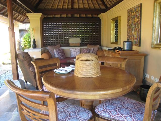 Four Seasons Bali Jimbaran Bay Review - Living Room