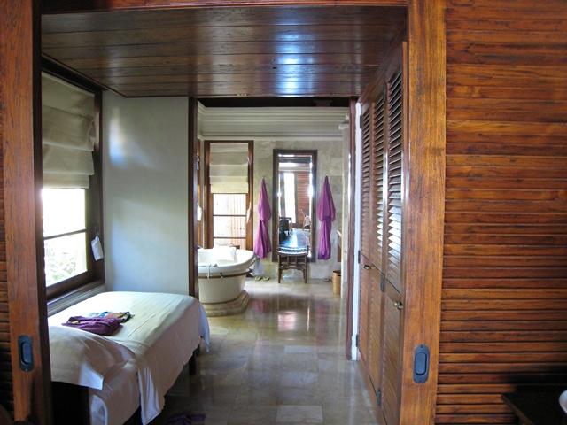 Four Seasons Bali Jimbaran Bay Review - Extra Bed and Children's Amenities