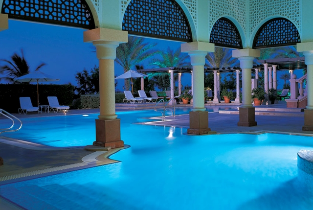 Best marriott hotels and resorts to stay at free with the for Top resorts in dubai