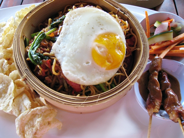 Batu Karang Review - Mie Goreng for lunch
