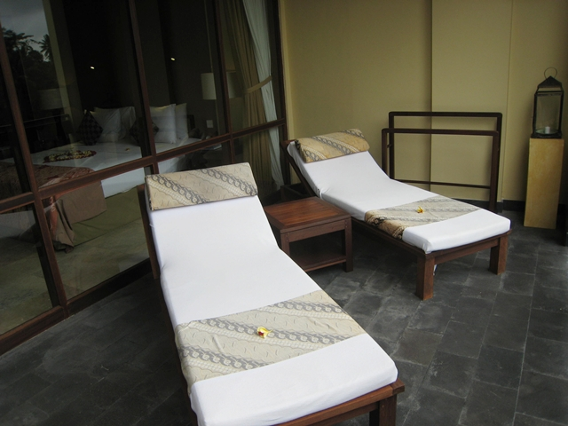 Komaneka at Bisma Hotel Review - Balcony and lounge chairs