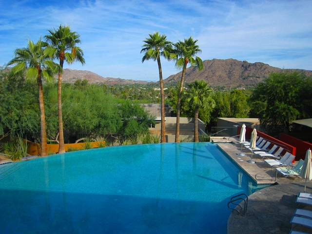 Sanctuary Camelback Mountain Review - Infinity Pool