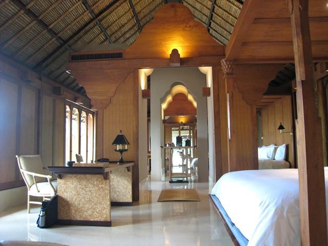 Amankila Ocean Suite Review, Bali - Balinese Interior Design