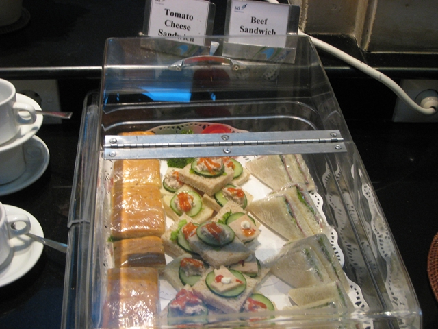 Cathay Pacific First Class Bali to Hong Kong Review - Sandwiches in Denpasar Lounge