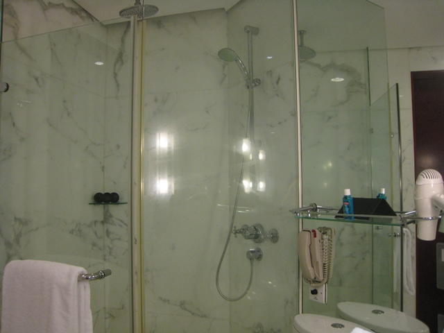 Langham Place Mongkok Review - Rain Shower
