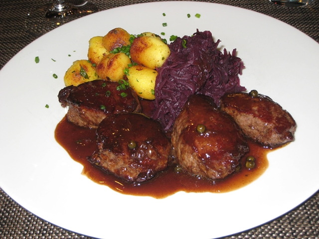 Review-Lufthansa First Class Lounge Munich - Venison with Gnocchi