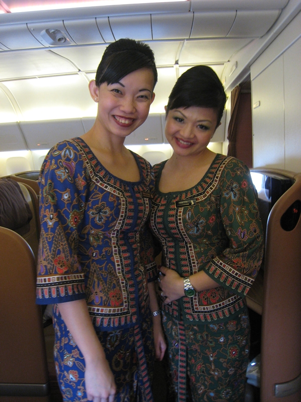 Singapore First Class Review - Flight Attendants